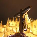 Llegada del Santo Cristo del Mercado a la Catedral de Segovia